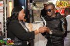 Le sacre du MEILLEUR DJ DE LA DIASPORA 2013, Sam Pankeu Dikongué, remis par La Mama Honorine